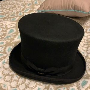 NWT Top 🎩 hat